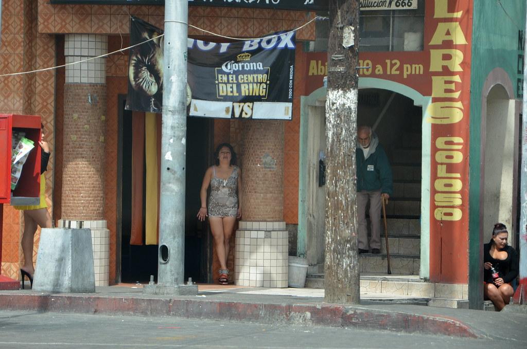 Prostitutes La Salud